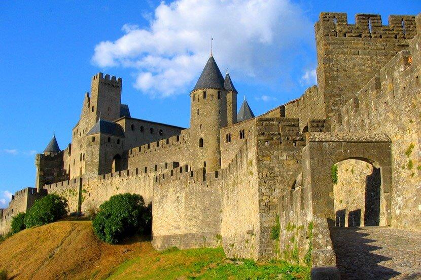 замок Комталь